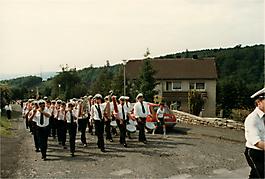 199105-125